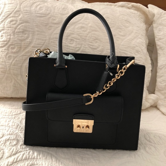Michael Kors Handbags - Michael Kors Bridgette Black Leather Tote